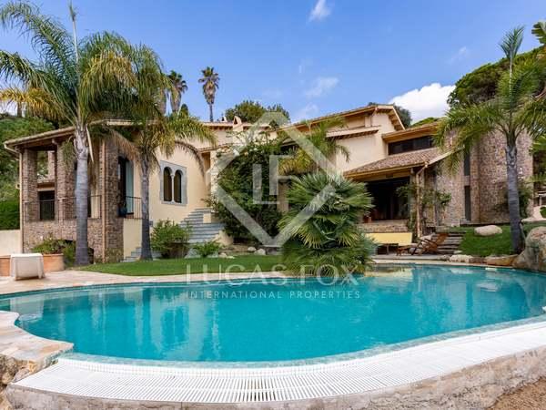 488m² House / Villa for sale in Alella, Barcelona