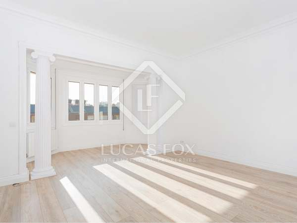 3-bedroom apartment to rent in Eixample Right