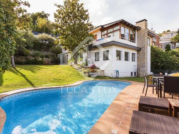 Maison / Villa de 580m² a vendre à Esplugues avec 611m² de jardin
