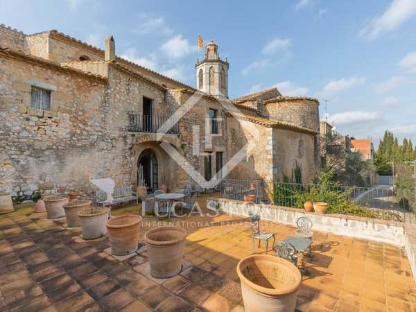 huis / villa van 752m² te koop met 5,000m² Tuin in Alt Empordà