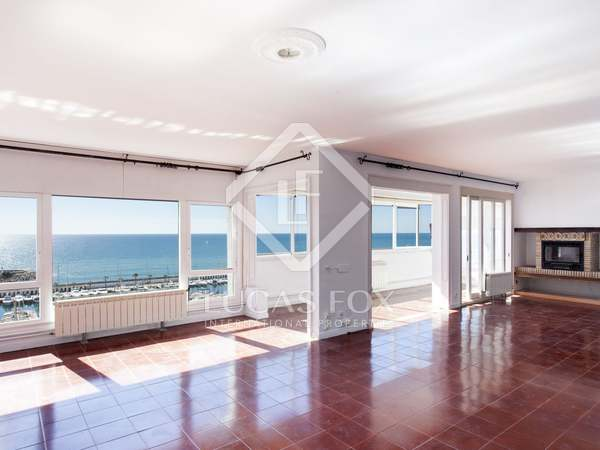Apartment to renovate for sale in Aiguadolç, Sitges