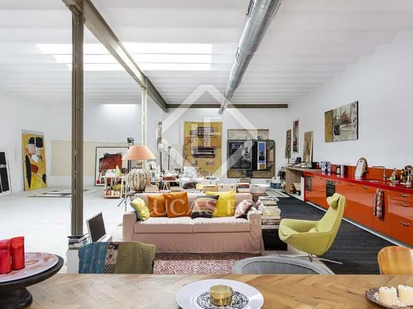 Appartamento di 284m² con giardino di 49m² in vendita a Gràcia