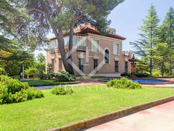 Huis / Villa van 529m² te koop in Eixample, Tarragona