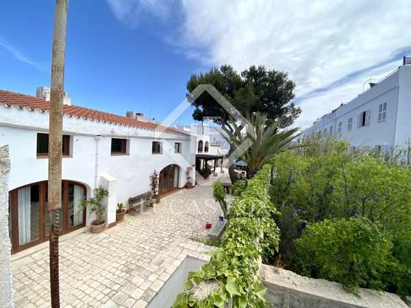 Huis / Villa van 112m² te koop met 20m² Tuin in Ciudadela