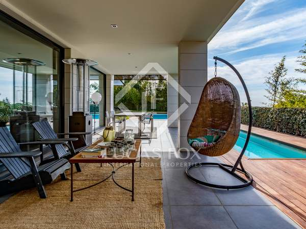 513m² Haus / Villa zum Verkauf in Sant Vicenç de Montalt
