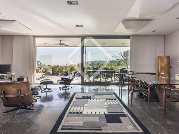 350m² House / Villa for sale in Els Cards, Barcelona