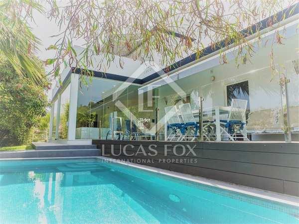 Casa / Villa de 274m² con 1,065m² de jardín en venta en Nueva Andalucía