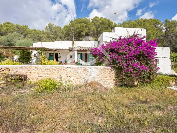 Country house on a huge plot for sale in north Ibiza