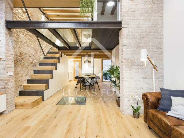 Pis de 140m² en venda a Sant Antoni, Barcelona