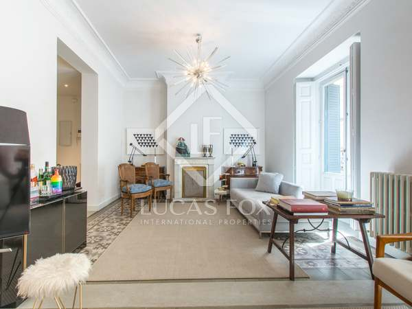 189 m² apartment for sale in Cortes / Huertas, Madrid