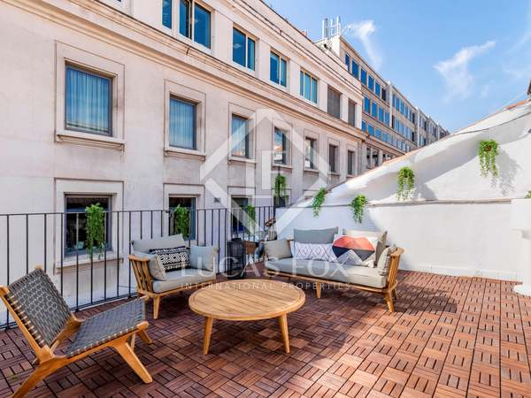 191 m² penthouse for sale in Cortes / Huertas, Madrid
