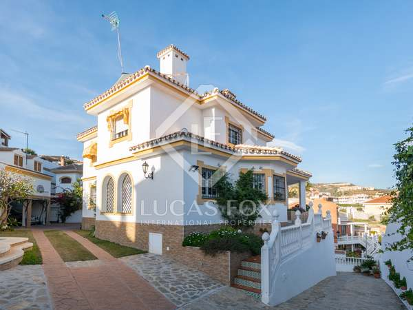 250m² House / Villa with 300m² garden for sale in East Málaga