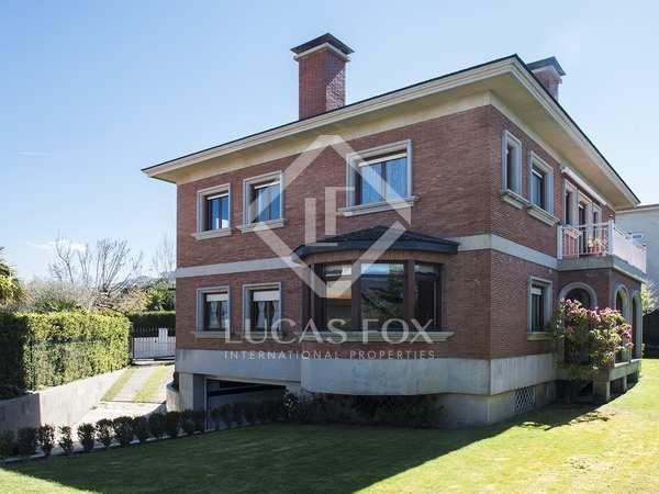 407m² Haus / Villa zur Miete in Vigo, Galicia
