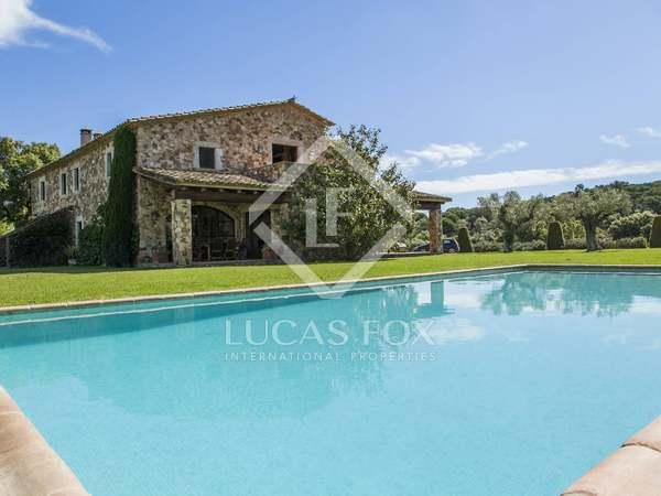 Дом в Жироне на продажу - элитная недвижимость в Испании
