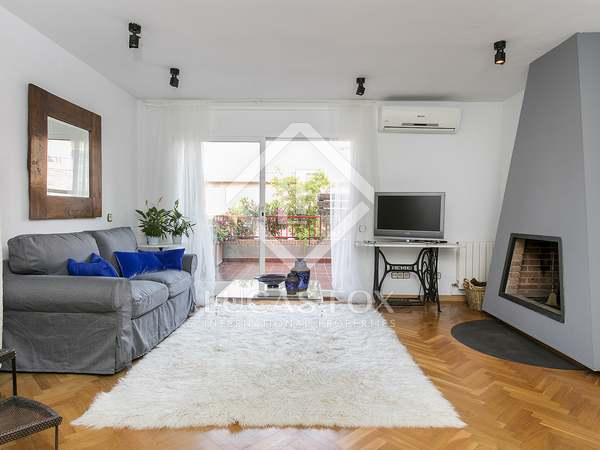 100 m² penthouse with 30 m² terrace for rent in Gracia