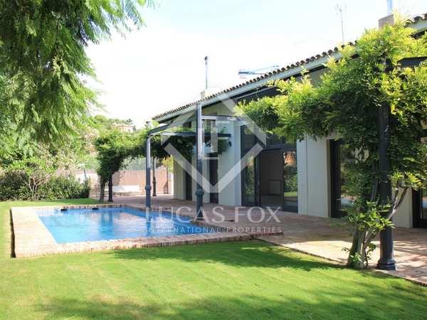 Huis / Villa van 800m² te koop met 1,000m² Tuin in San Pedro de Alcántara / Guadalmina