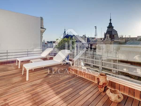 Ático de 226m² en venta en Jerónimos, Madrid