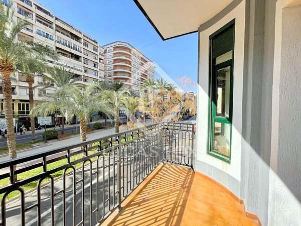 125m² Apartment for sale in Alicante ciudad, Alicante