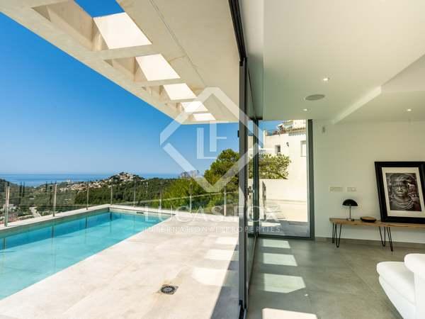 Casa / Villa de 380m² en venta en Moraira, Costa Blanca