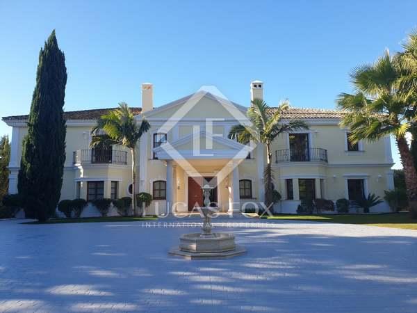 Huis / Villa van 1,322m² te koop met 3,210m² Tuin in Golden Mile