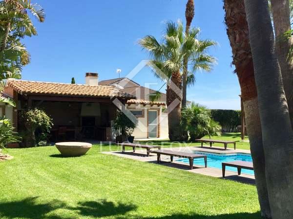 384m² Hus/Villa med 250m² Trädgård till salu i Playa Sagunto