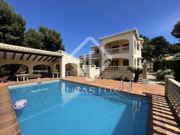 Huis / Villa van 197m² te koop in Jávea, Costa Blanca