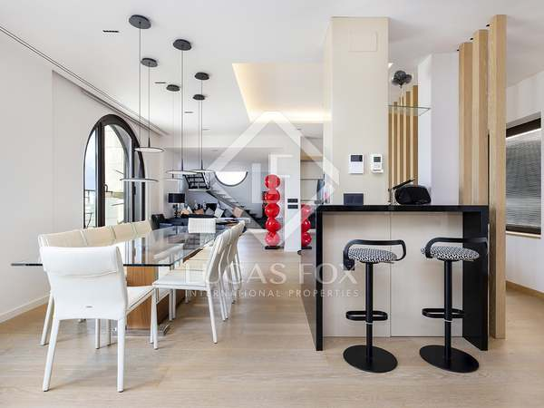 250m² Apartment with 40m² terrace for rent in Eixample Right