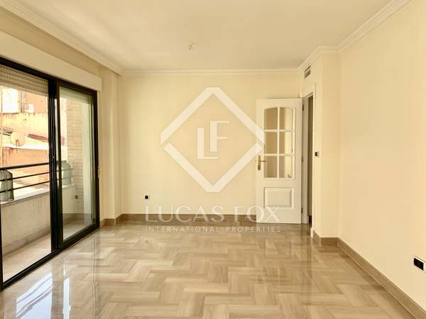 93m² Apartment with 6m² terrace for sale in Alicante ciudad