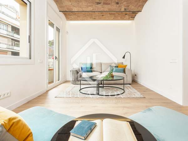 97m² Apartment with 7m² terrace for sale in Eixample Right