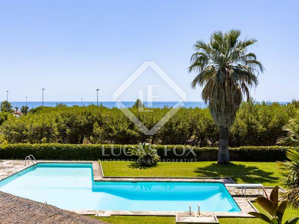 Villa con 3,500m² de jardín en venta en Sant Andreu de Llavaneres
