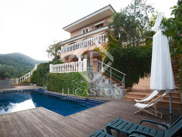 5-bedroom Mediterranean villa with sea views for rent Alella