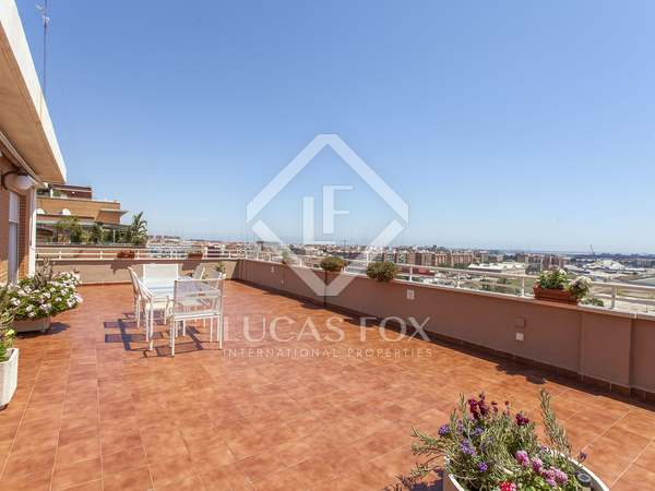 187m² Penthouse with 153m² terrace for sale in Ciudad de las Ciencias