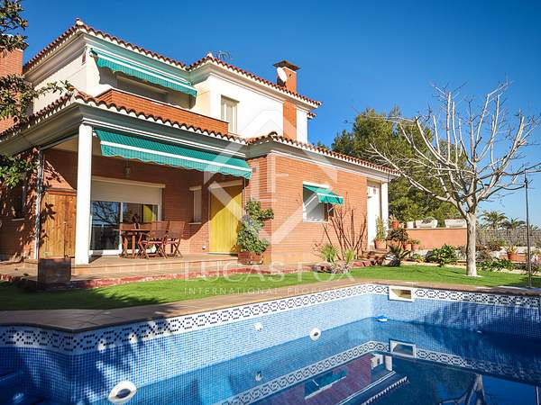 193m² House / Villa for sale in Cubelles, Barcelona