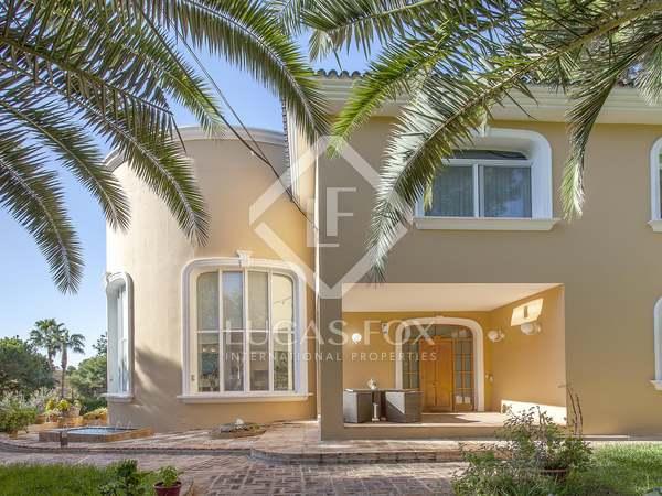 Huis / Villa van 856m² te koop met 115m² terras in Godella / Rocafort