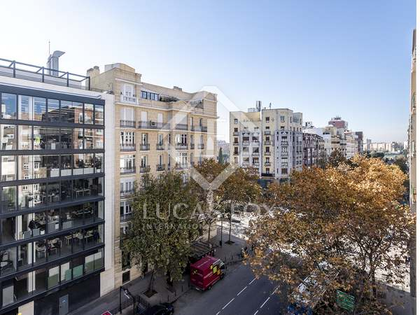 198 m² apartment for sale in Ríos Rosas, Madrid
