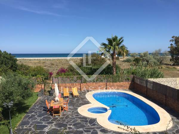 325m² House / Villa for sale in Playa Sagunto, Valencia