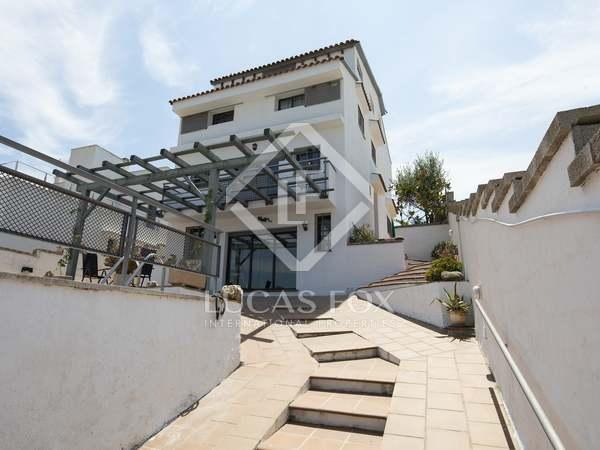 Huis / Villa van 317m² te koop in Els Cards, Barcelona