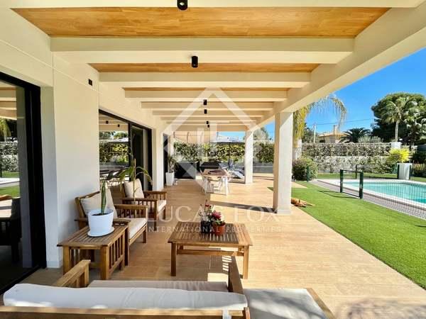 350m² House / Villa for sale in Playa San Juan, Alicante