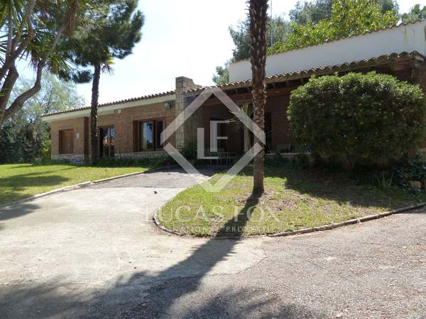 Villa to buy and update in good residential area, Valencia