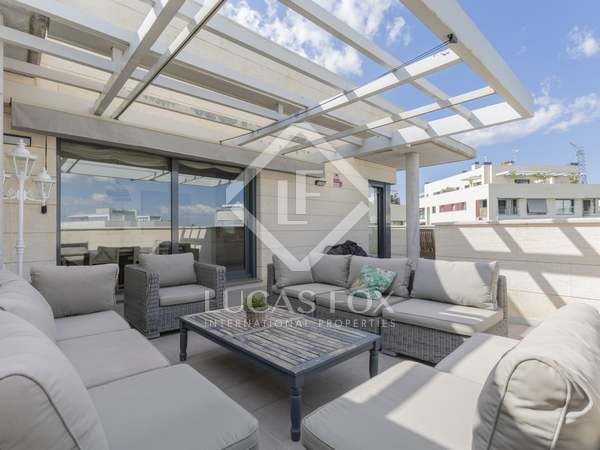 169m² Apartment with 130m² terrace for sale in Aravaca