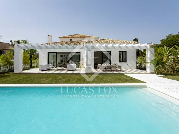 Huis / Villa van 364m² te koop met 100m² terras in San Pedro de Alcántara / Guadalmina