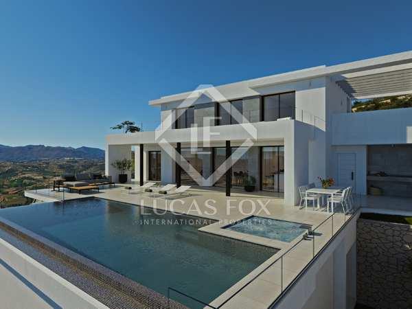 565m² House / Villa with 193m² terrace for sale in Cumbre del Sol