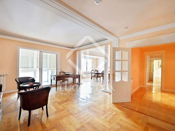 300m² Apartment for sale in Hispanoamérica, Madrid