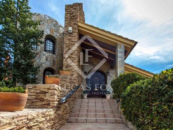 Huis / Villa van 603m² te koop met 400m² Tuin in Alfinach