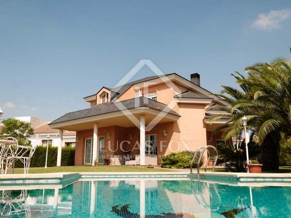Casa / Villa de 451m² en venta en Godella / Rocafort