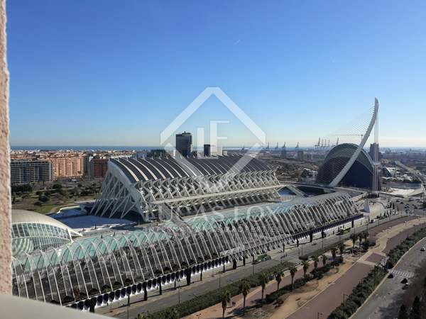 Penthouse van 169m² te koop met 130m² terras in Ciudad de las Ciencias