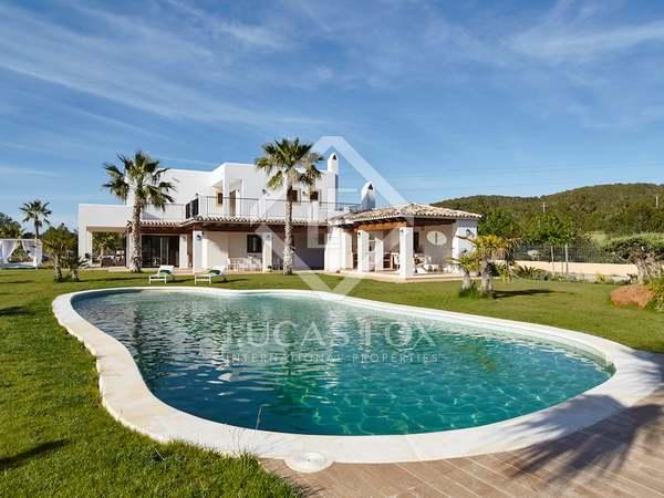 Дом / Вилла 500m² на продажу в Сан Антонио, Ибица