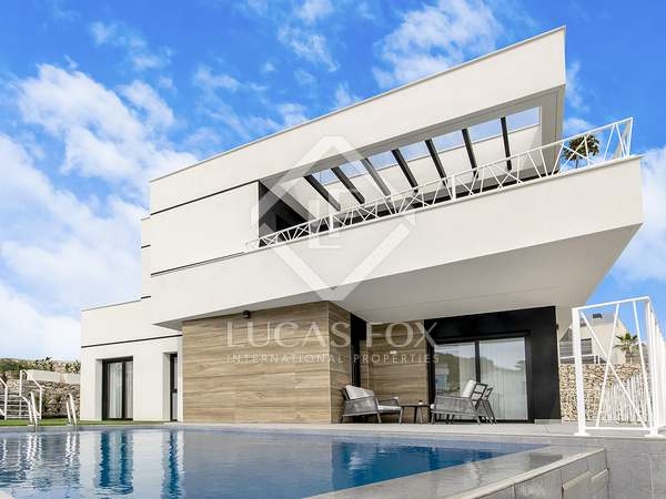 127m² House / Villa for sale in Finestrat, Alicante