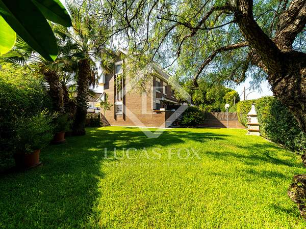 170m² House / Villa with 100m² garden for rent in La Pineda