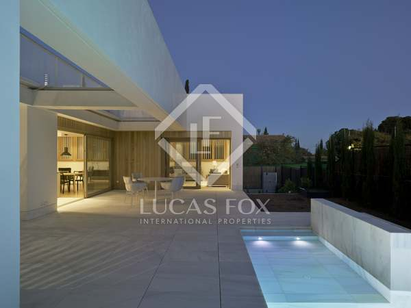 530m² House / Villa for rent in Godella / Rocafort